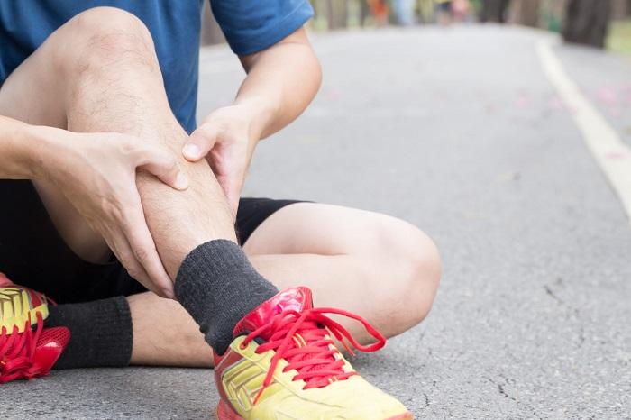 Жгучая боль в ноге ниже колена в мягких тканях thumbnail